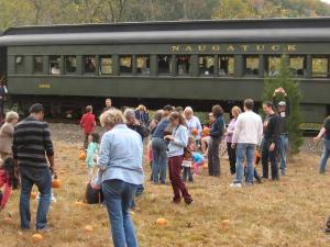 Naugatuck Pumpkin Train